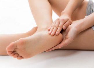 cách chữa nứt gót chân hiệu quả tại nhà